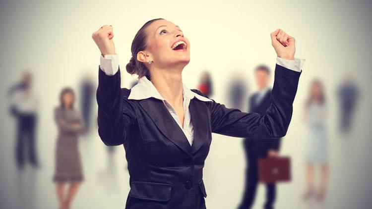 Само 1 отсто од жените земаат плата повисока од 40.000 денари