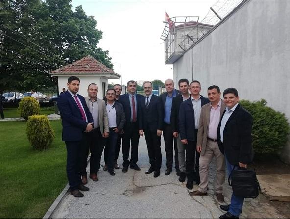 Проблеми во владината коалиција? Директорите на затворите на СДСМ се состануваат без директорите на ДУИ