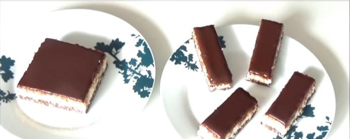 Овој колач е седмо небо за љубителите на баунти – готов за неполни 10 минути, без печење