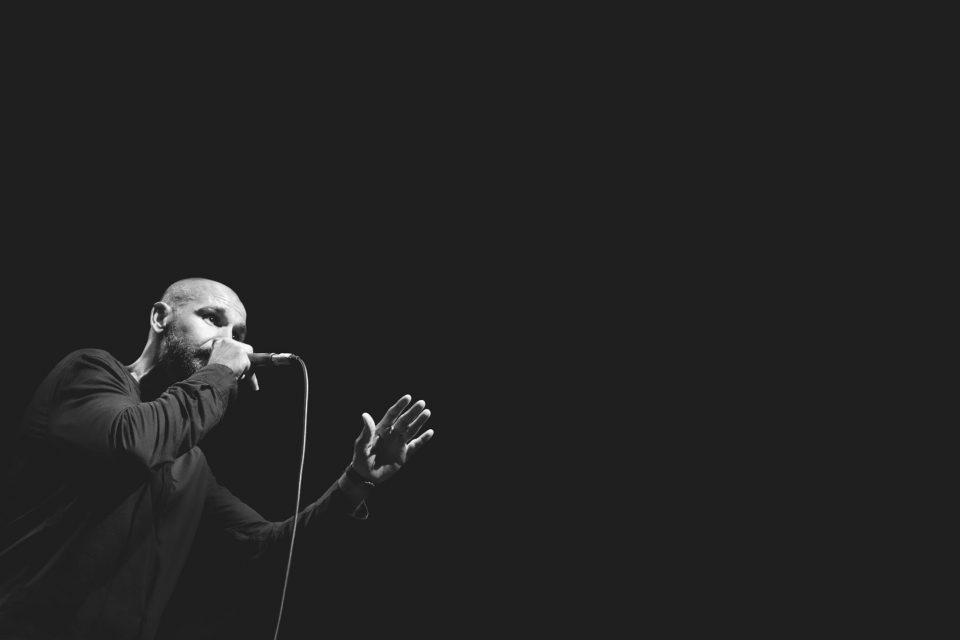 Текстовите на новиот албум на Тони Зен се напишани како последица од духовните практики и искуства