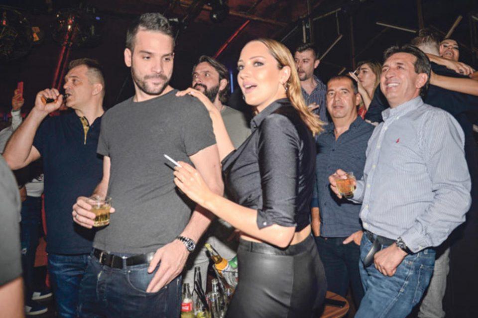 Само што се породи, а не ја вади цигарата од уста: Пријовиќ ужива во никотинот, а нејзиниот маж во алкохолот