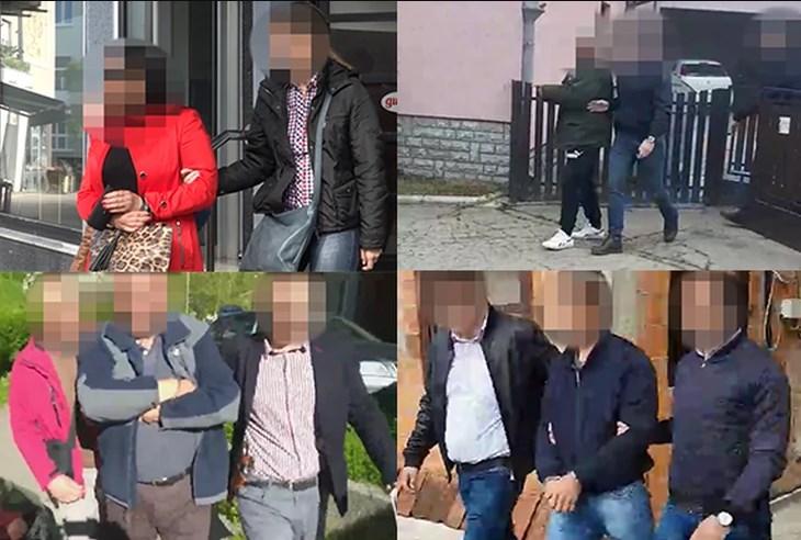 Вучиќ уапси цел општински врв од својата партија поради корупција