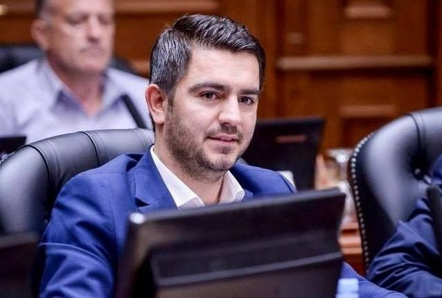 Бектеши: Политичарите да читаат пред да коментираат, субвенциите за етнички вработувања се дел од изгласаната владина програма