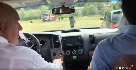 Борисов го возеше Ципрас во џип: Го поздравија населението каде што ќе поминува интерконекторот за гас
