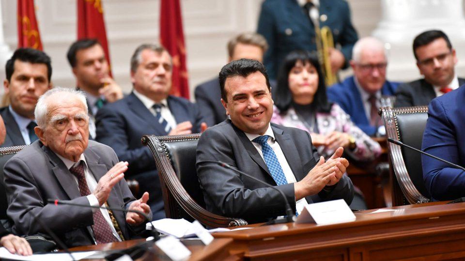 Европа има проблем со премиерот во заминување: Ветува сѐ живо и никому не вели НЕ