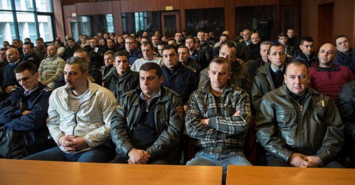 """Кумановската група до судијата: Зборувај албански, тука е Албанија, вие """"бегалци"""" сте дојдени тука"""