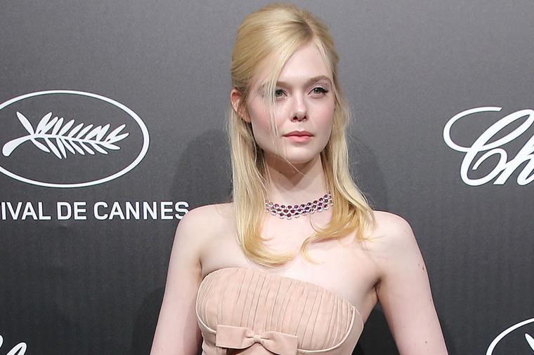 Актерка се онесвести на филмскиот фестивал во Кан поради тесниот фустан