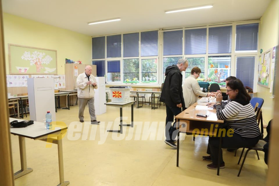 На локалните избори до 13 часот во Охрид гласале 11.450 избирачи, во Ново Село 2.743