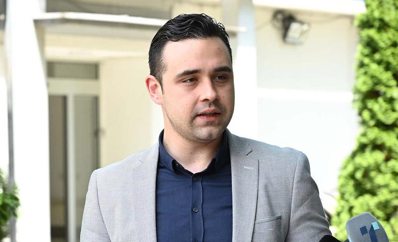 Стоилковски: Дали телефонот на Боки 13 крие лични тајни заради кои сега Костадинов на дневна основа панично манипулира со јавноста?