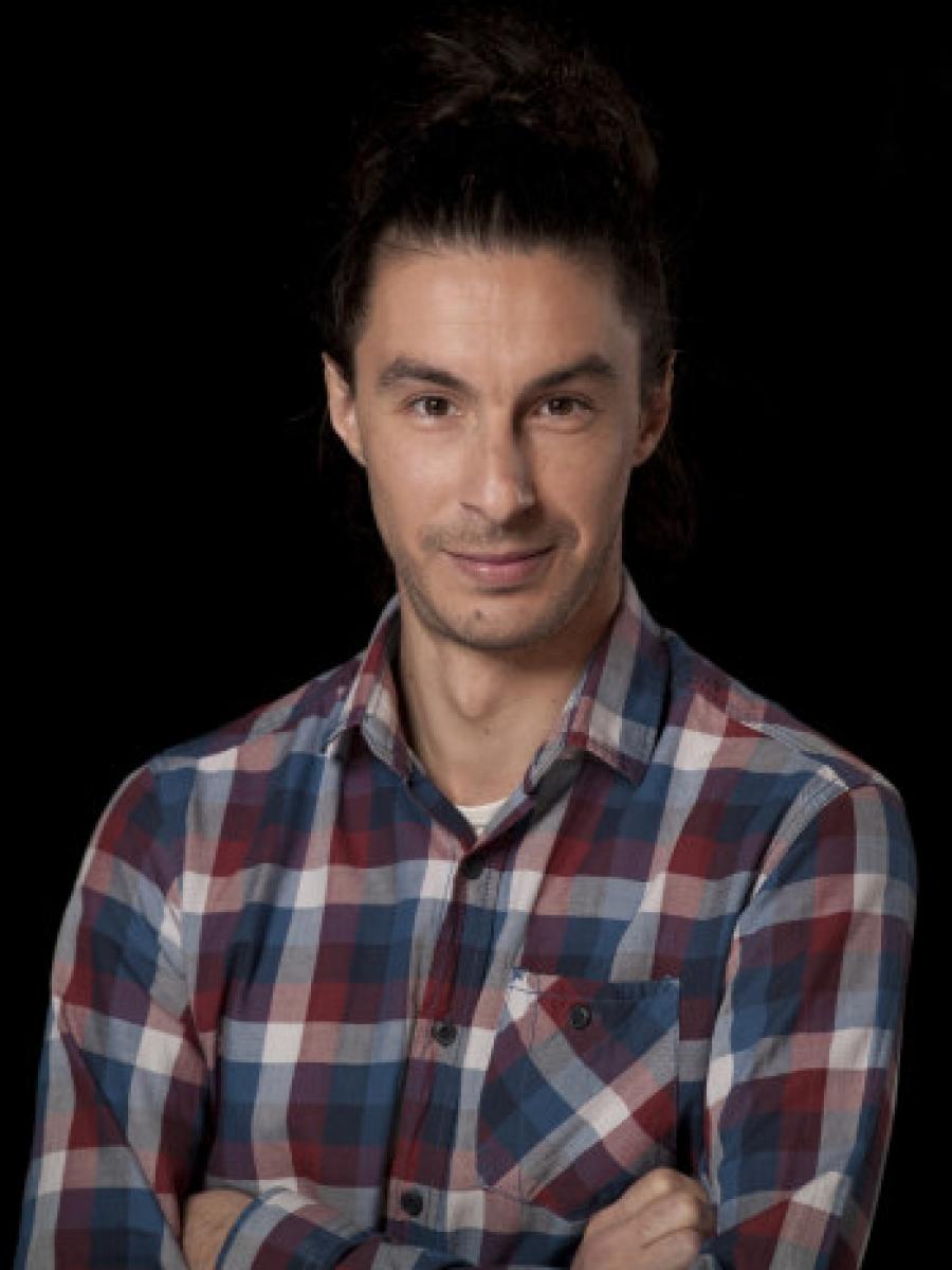 Мартин Јордановски, актер во ТДМ: Не ми е јасно како може да лажатбескрупулозно и да се надеваат дека нивните лаги ќе поминат?
