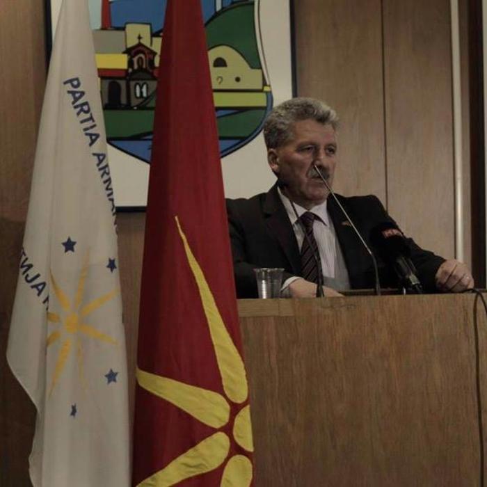 Власите ја поддржуваат Силјановска Давкова за претседател на државата