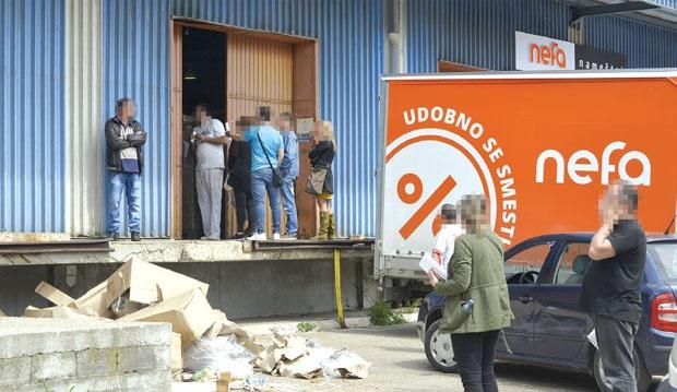 Од Македонија заминавме поради телефонски закани, сите клиенти и вработени нека бидат спокојни