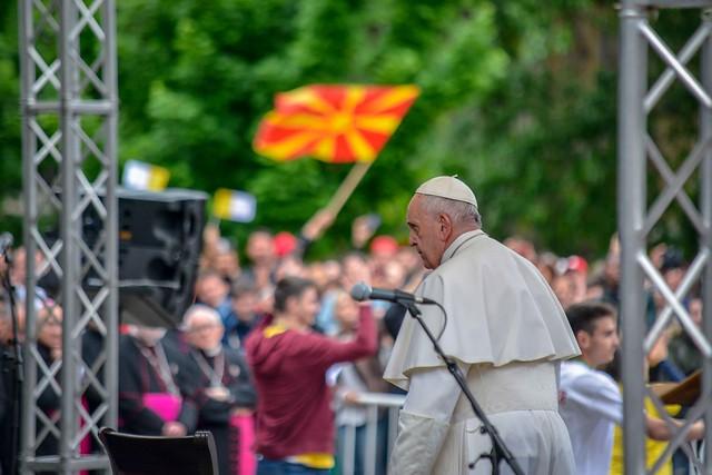 Папата побара од христијаните да простуваат