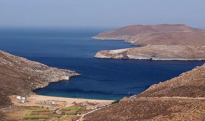 Грција почна да забранува пушење на плажа – ова е првата грчка плажа за непушачи