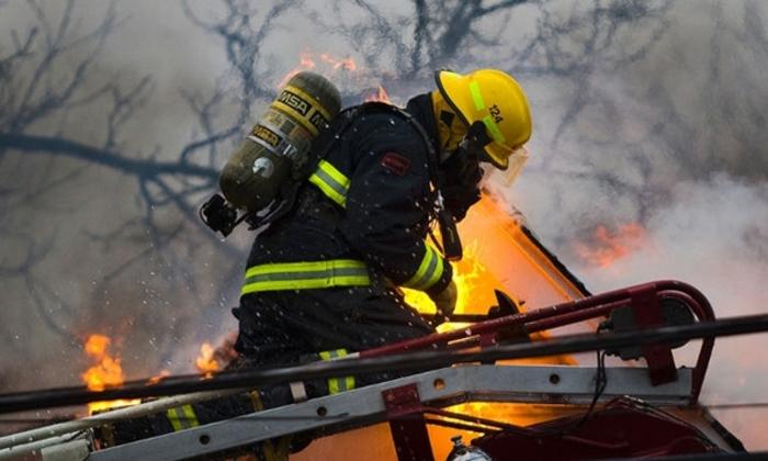 Хрватска бара пожарникари за на брод