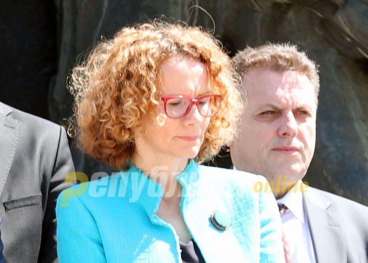Шекеринска: 4 жени раководиме со поголем буџет од сите мажи на министерски позиции