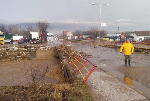 Невремето предизвика поплави во Босилово и штети во Радовиш