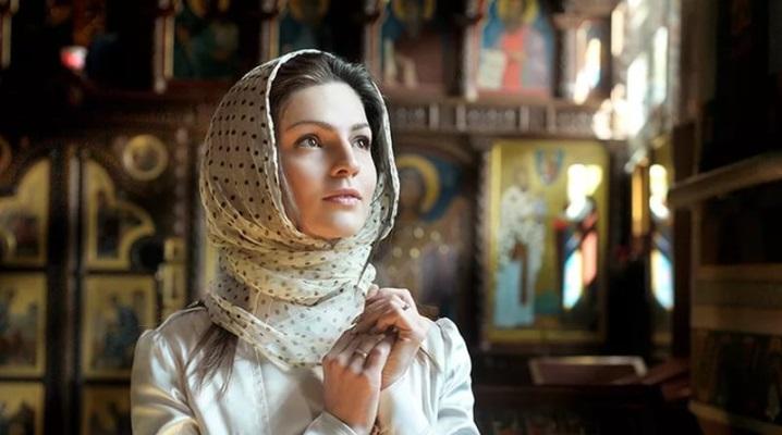 Строги правила за жените кои влегуваат во црква: Лицето на жената ако е со шминка да не целива икони…