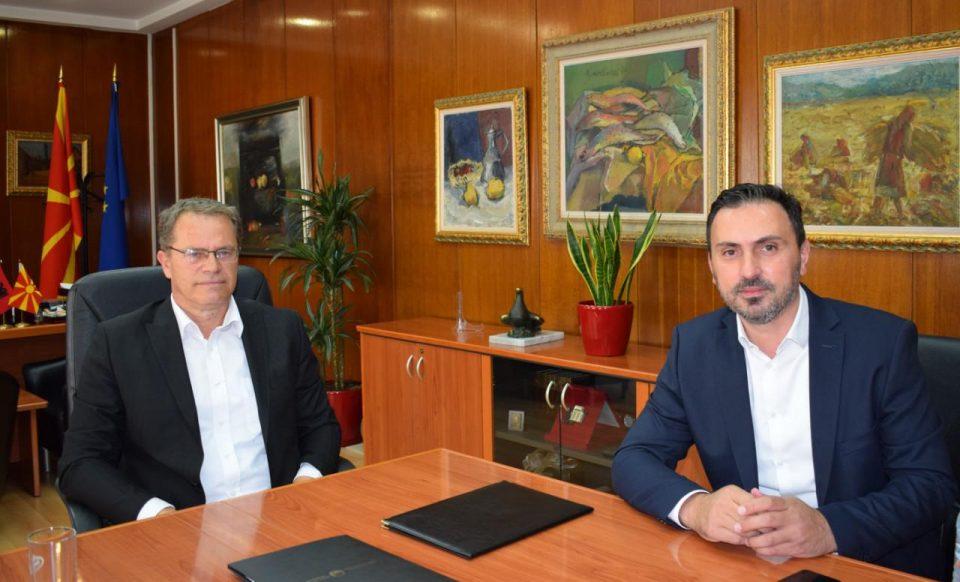 Хусни Исмаили ја презеде функцијата министер за култура од Асаф Адеми: Ќе продолжам да ја имплементирам програмата на Владата