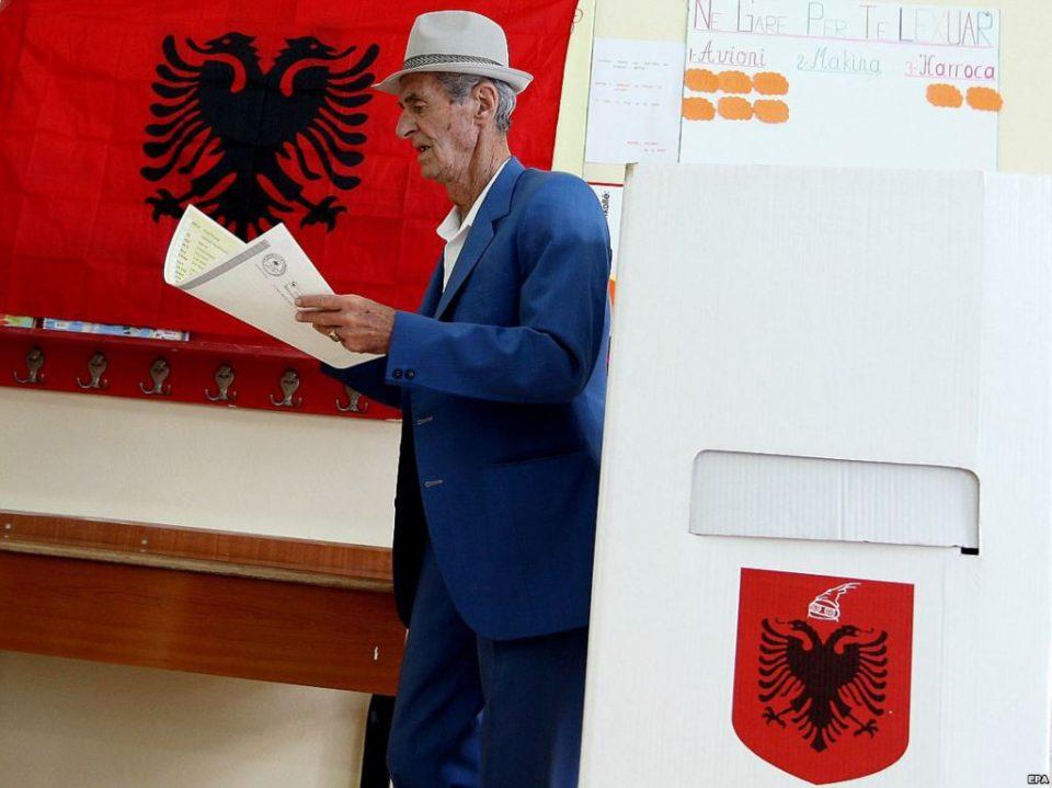 ЕУ побара од Албанија Уставниот суд да профункционира пред првата меѓувладина конференција