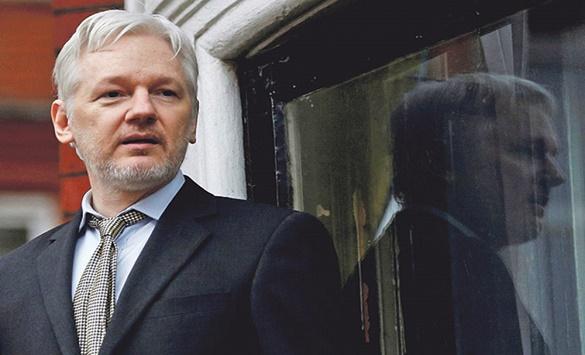 Асанж нема да биде обвинет за откривање на тајните алатки на ЦИА