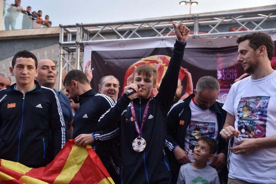 Бесир Алили, борачот кој освои прво место на ЕП за кадети: Во Париз златото не ми бега!