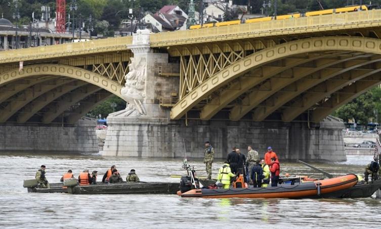 Извлечен потонатиот јужнокорејски брод во Дунав, пронајдени нови тела