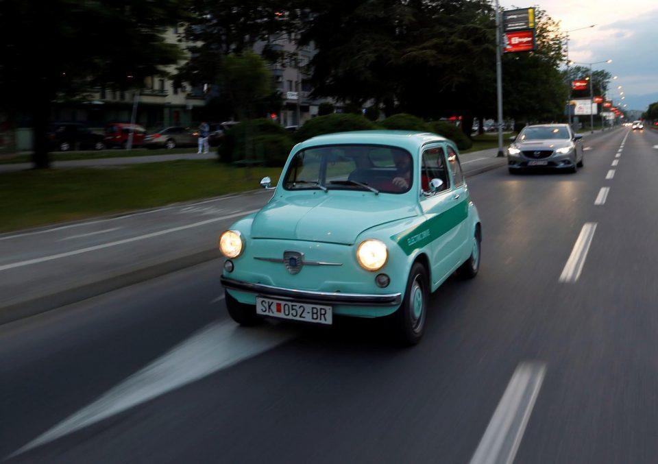 """Хрватски медиуми: Македонски мајстори од старо """"фиќо"""" направија електричен автомобил"""