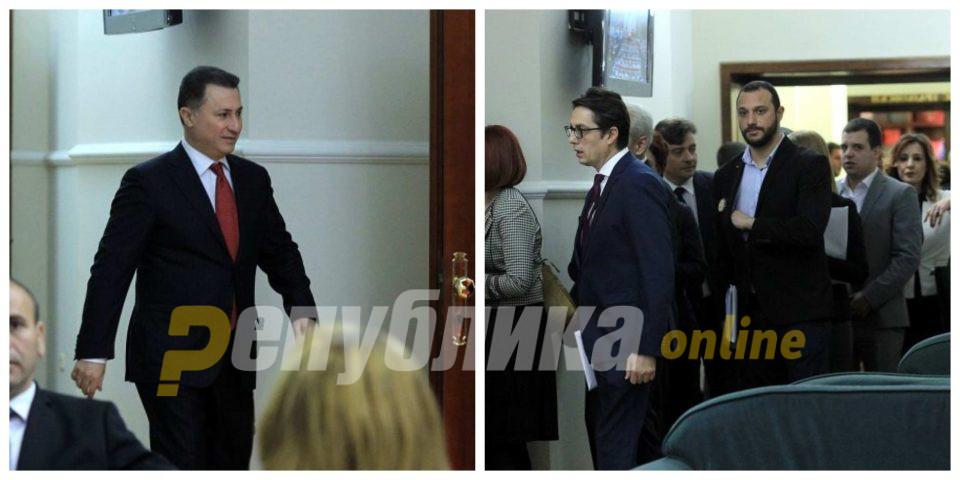 Оставките на Груевски и Богоевски заглавени меѓу Уставот и Деловникот