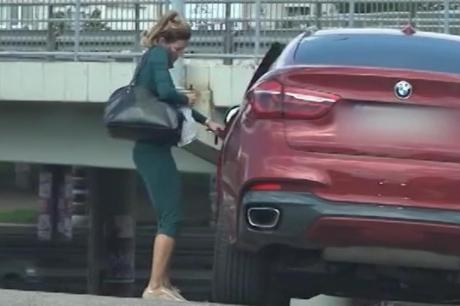 Сопругата на Жељко Јоксимовиќ фатена без грам шминка на улица