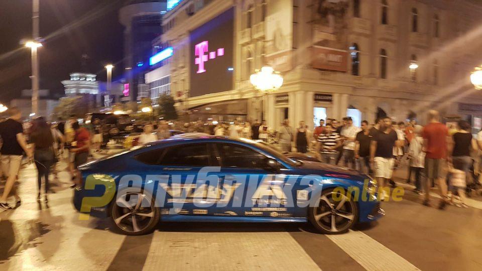 Спортски автомобили го преплавија центарот на Скопје