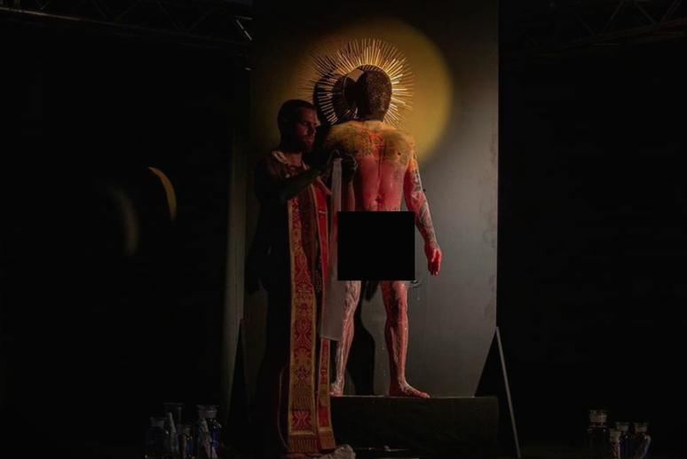 На ЛГБТ собирот во Скопје, им ставале полови органи на христијански светци!