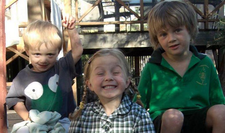 Кога трите деца им загинаа во авионска несреќа, родителите се расправале дали заедно или одвоено да скокнат од кровот на зградата