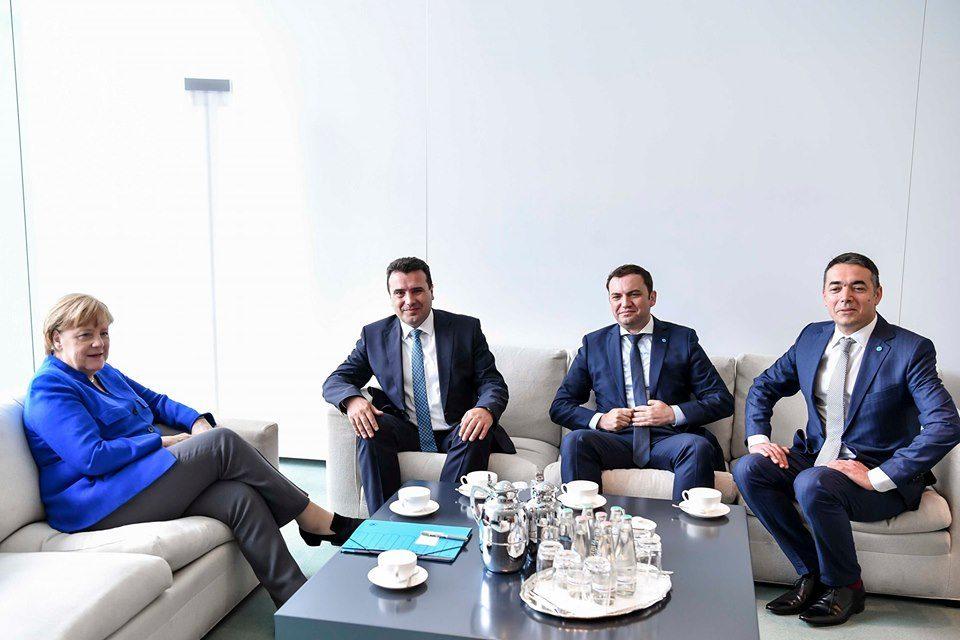Заврши средбата Меркел – Заев, нема изјави по состанкот