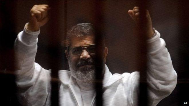 Поранешниот египетски претседател погребан во тајност
