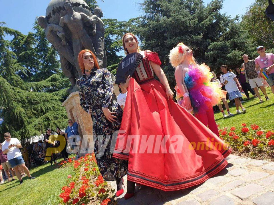 "Шекеринска, Царовска, Богоевски, јавни личности и амбасадори на ""Парадата на гордоста"""