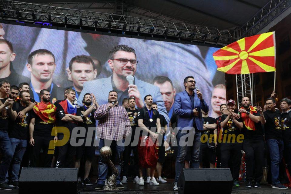 Српските коментатори признаа: Најдобриот ракомет сега живее во Скопје
