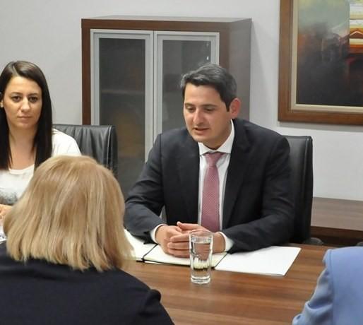 Новиот министер за животна средина не зборува ниту македонски, ниту албански