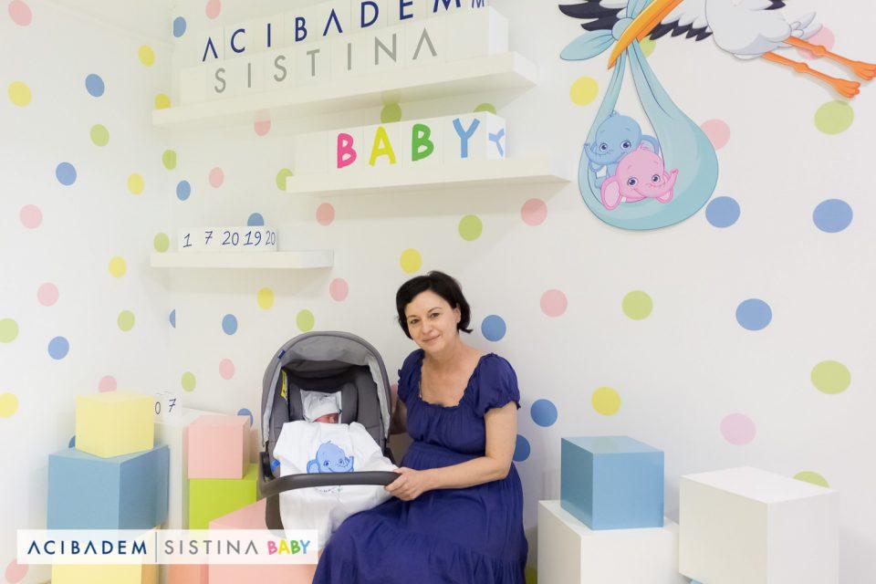 Возраста не е пречка за потомство, Костадинка Соколовска стана мајка на 51 година