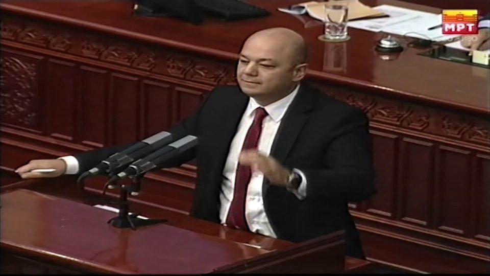 Манојлоски ја напушти седницата на Комисијата за труд