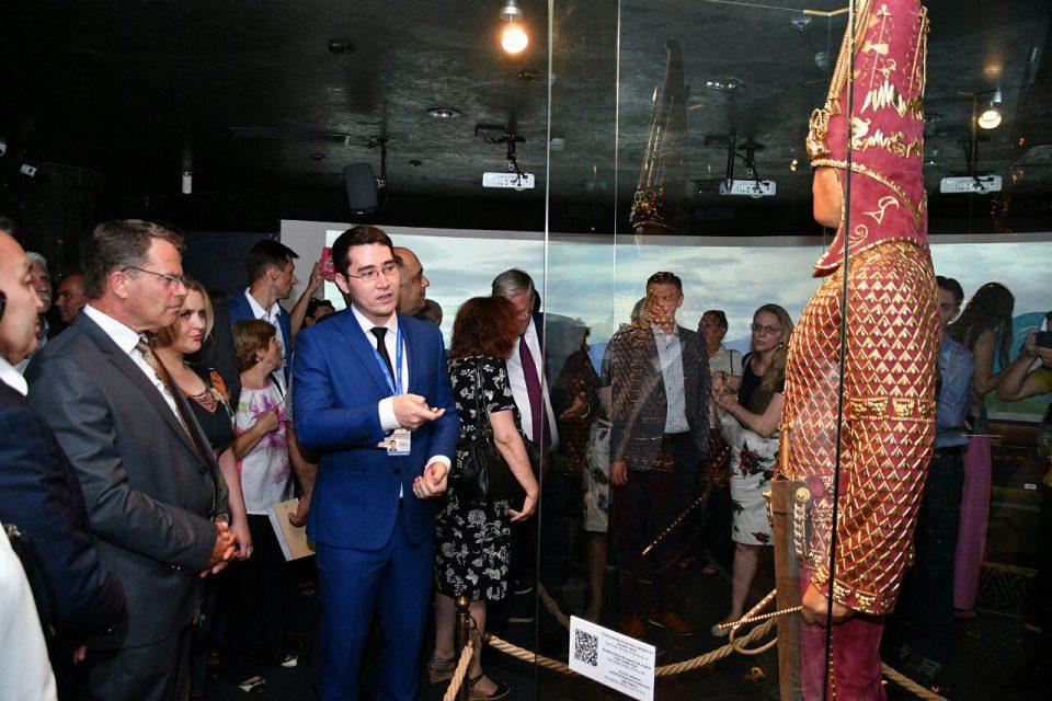 Ексклузивни раритетни предмети и Златниот човек, симболот на Казахстан се дел од излобжата отворена вчера во Археолошкиот музеј