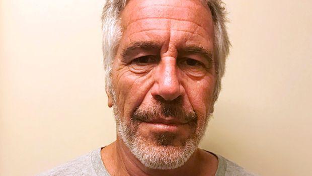 Милионер педофил пронајден со повреди на вратот во затворска ќелија