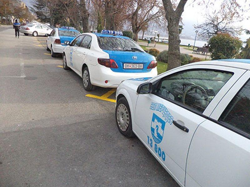 81-годишник возел такси без лиценца
