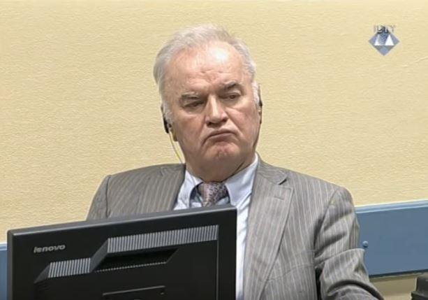 Ратко Младиќ од притвор во Хаг итно префрлен во болница