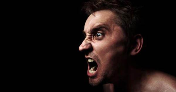 Шест знаци дека вашиот сопруг е психопат
