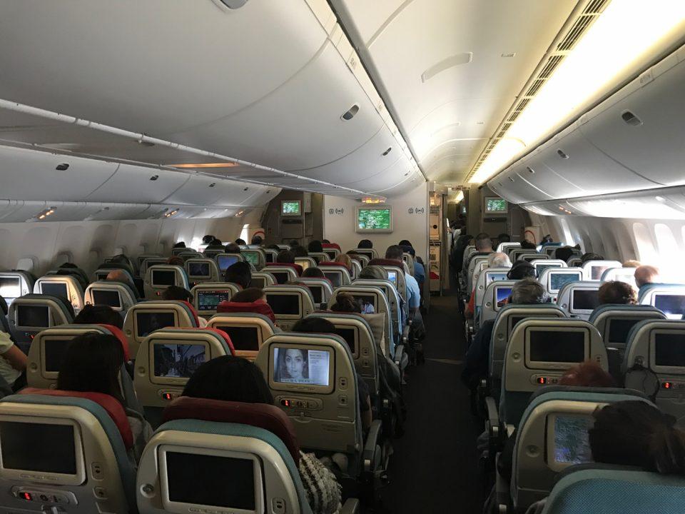 Турскиот авион кружел над аеродромот, па се вратил во Истанбул