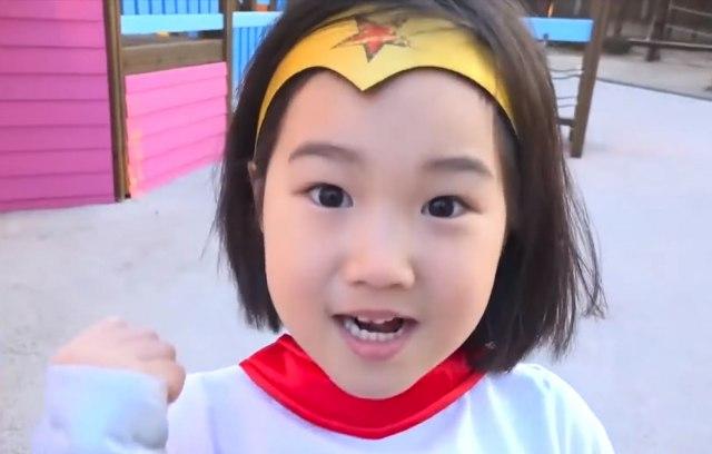 Корејската Лејдибаг има 6 години, 30 милиони следбеници и дворец од бајките