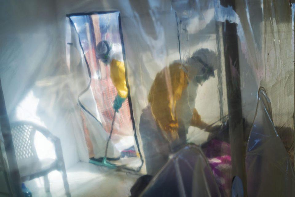 Од Африка нѝ се заканува смртоносна ебола – досега 1600 настрадани!