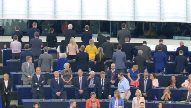 Со скандал почна првата пленарна сесија на новиот Европарламент