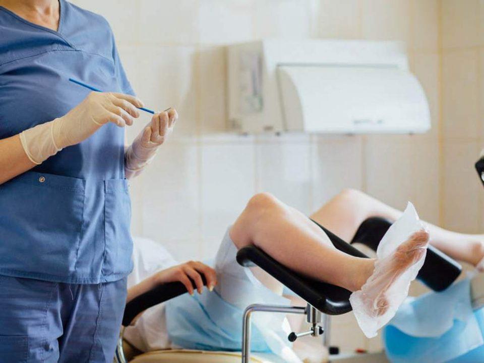 Гинеколозите од Битола, кои дозволиле невработено лице да изврши породување со царски рез,  добија кривични пријави